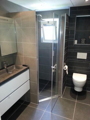 bouwbedrijf-drost-en-de-wollf-renovatie-badkamer-01