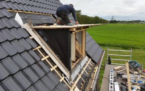 bouwbedrijf-drost-en-de-wollf-renovatie-nieuw-dak-kapel-01